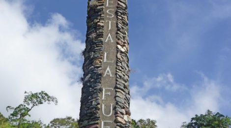 Columna del monumento al vehículo en Mucutuy